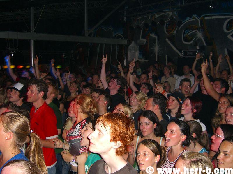 Das Publikum ist begeistert.