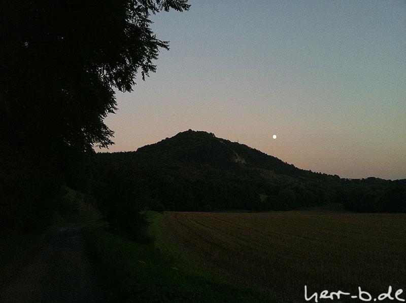 Dohlenstein mit Mond