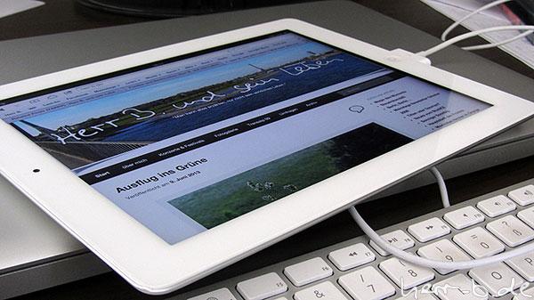 Herr B. auf dem iPad