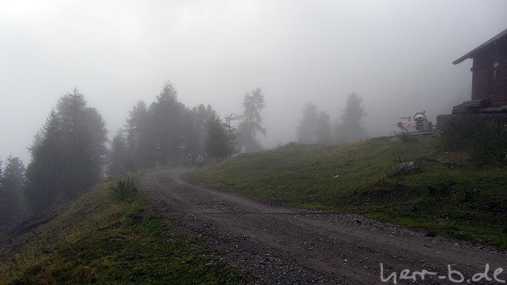 Letzte Meter des Aufstiegs im Nebel