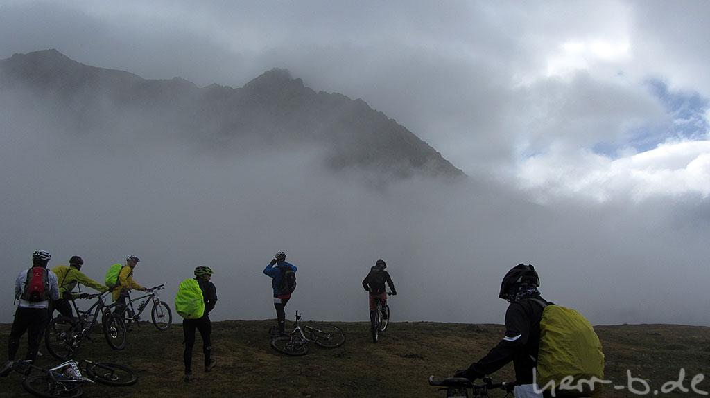 Auf dem Pass im Nebel
