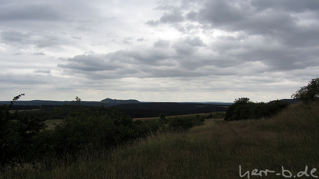 Wolkige Aussicht Richtung Leuchtenburg
