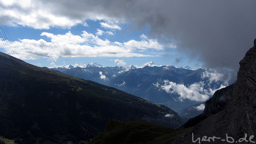 Nochmal das Panorama, ganz rechts ist das Matterhorn zu sehen.
