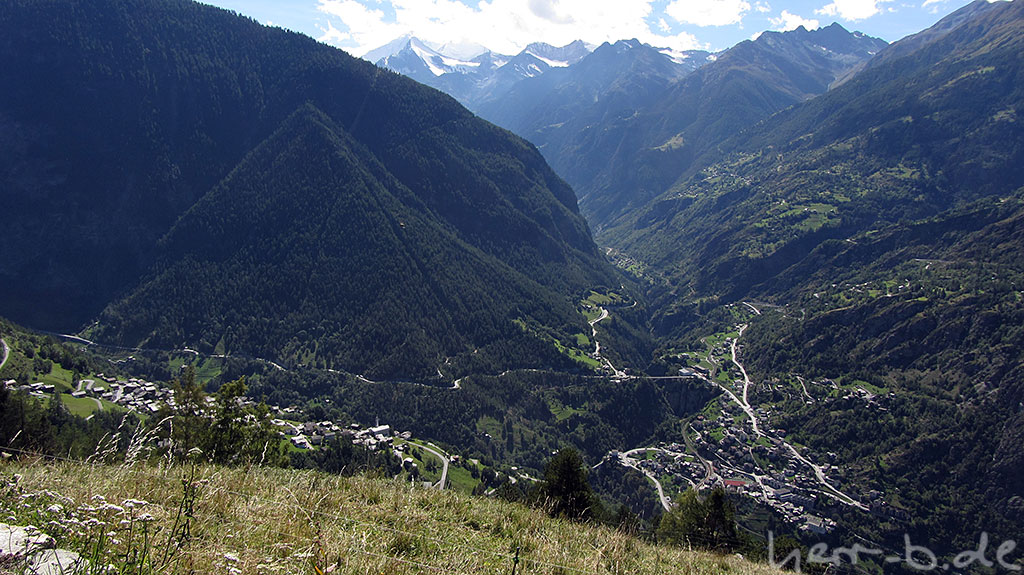 Blick hinunter nach ca. 700 Meter Anstieg