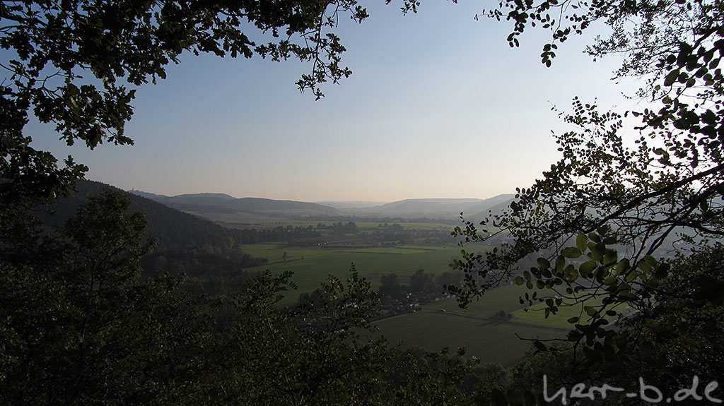 Blick vom Helenenstein Richtung Leuchtenburg