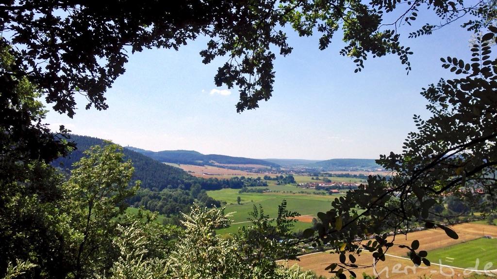 Sommerlicher Ausblick vom Helenstein