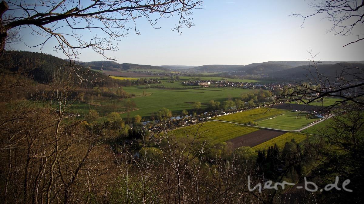 Der Blick ins Saaletal vom Helenenstein.