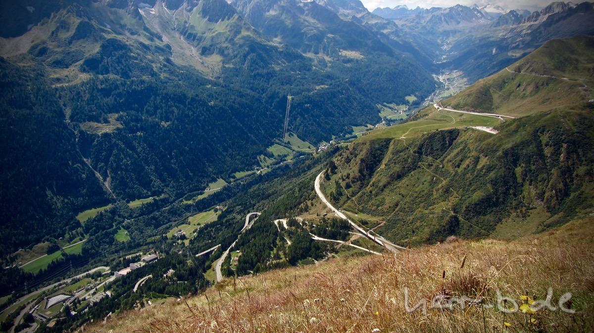 Die Gotthard-Straßen-Kehren.