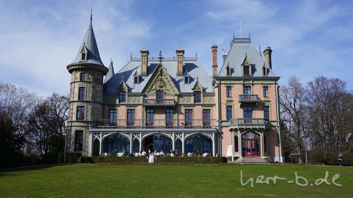 Das Schloss Schadau.