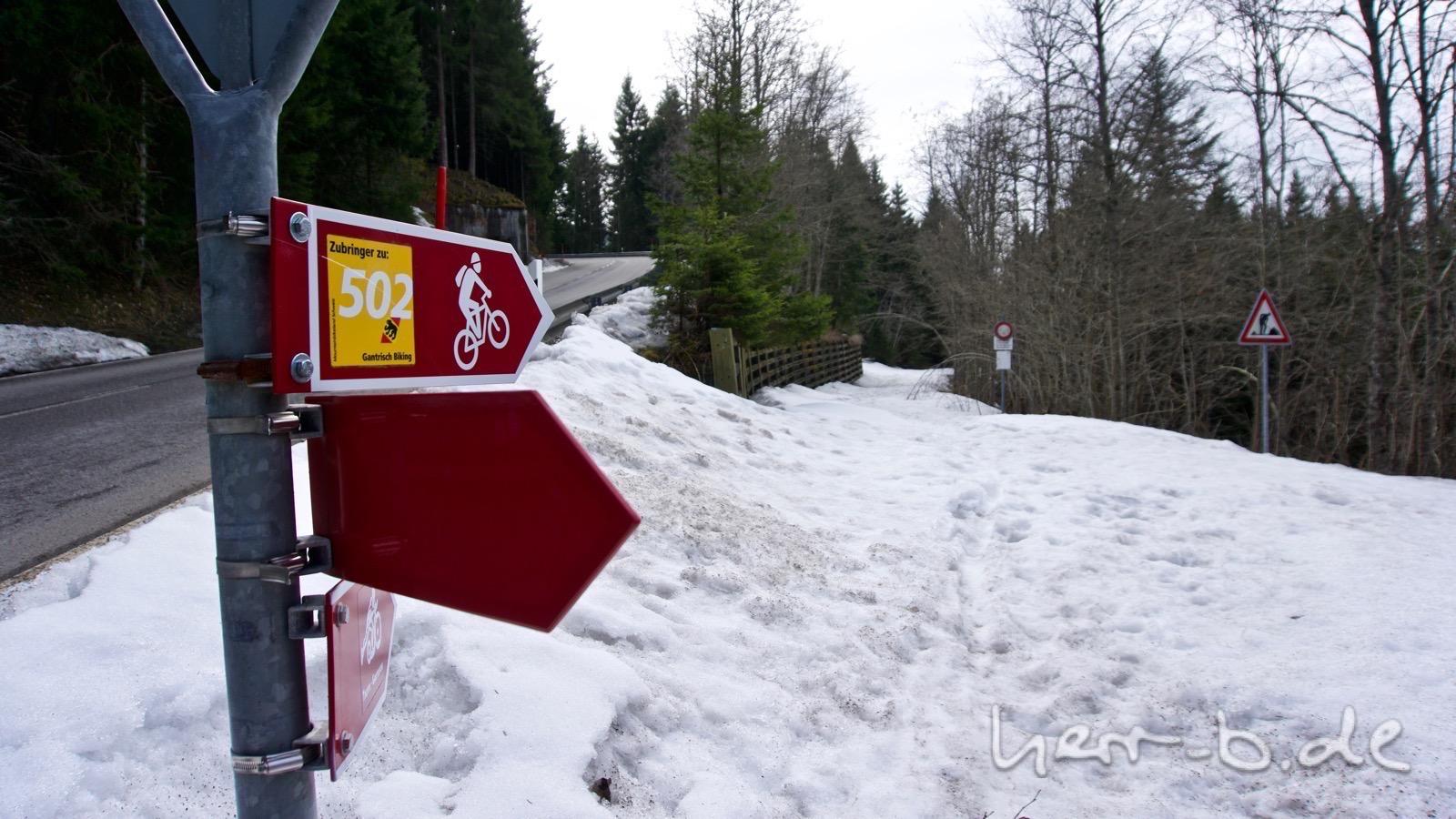 Die Bikestrecke ist noch tief verschneit.