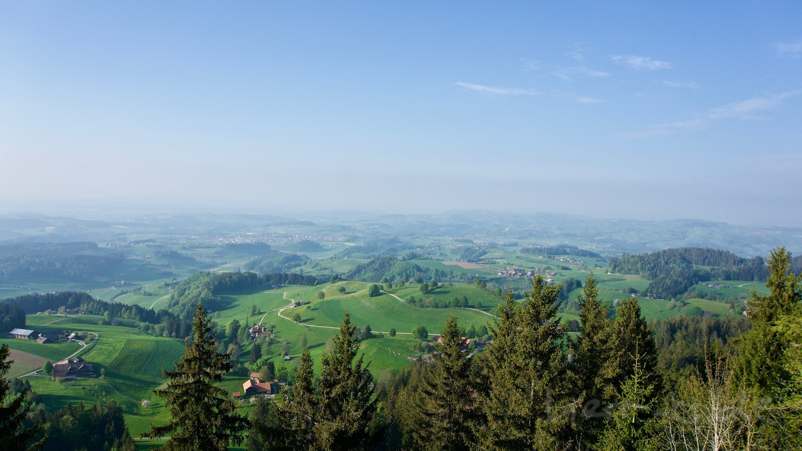 Blick zurück vom Guggishörnli Richtung Bern.