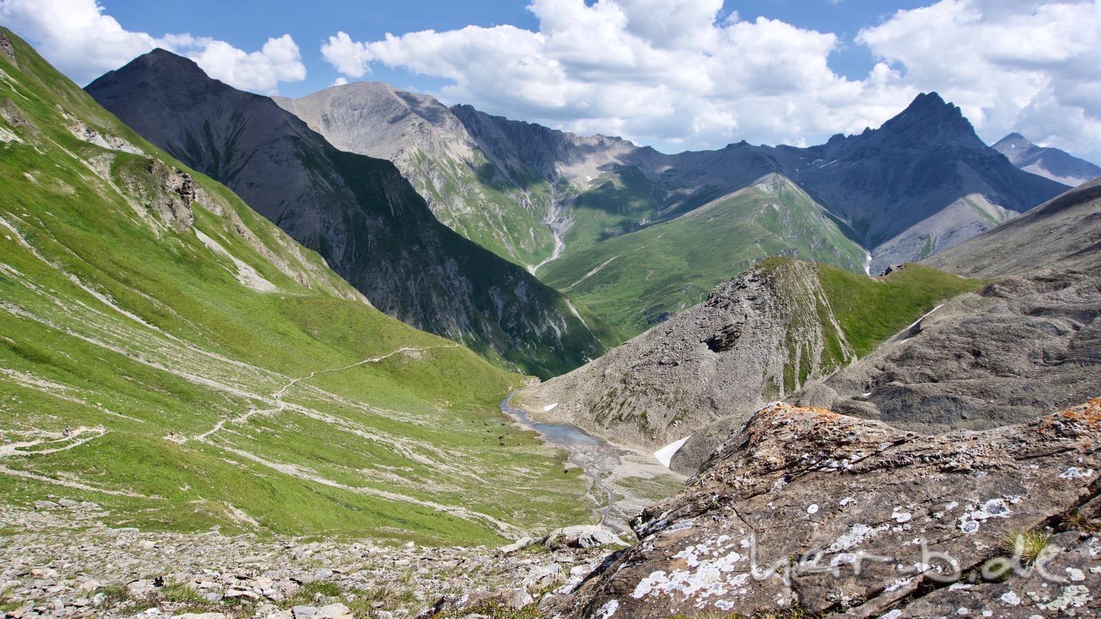 Die Abfahrt vom Fimberpass Richtung Ramosch.