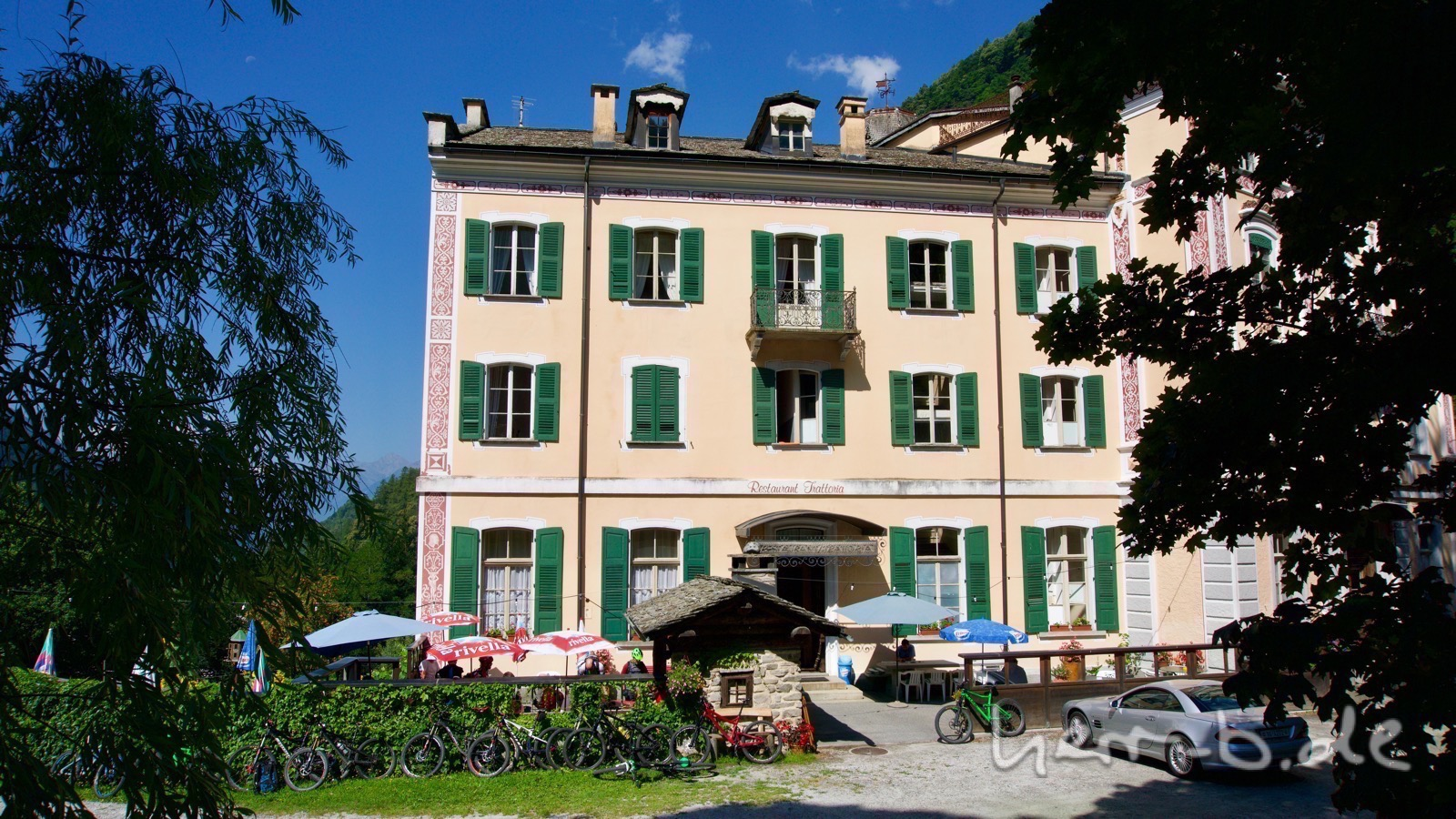 Wunderschönes und uraltes Hotel in Promontogno.