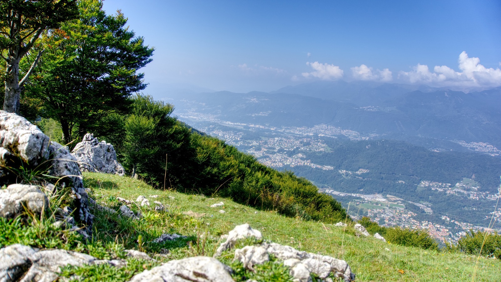 Aussicht oberhalb der Alpe Bolla.