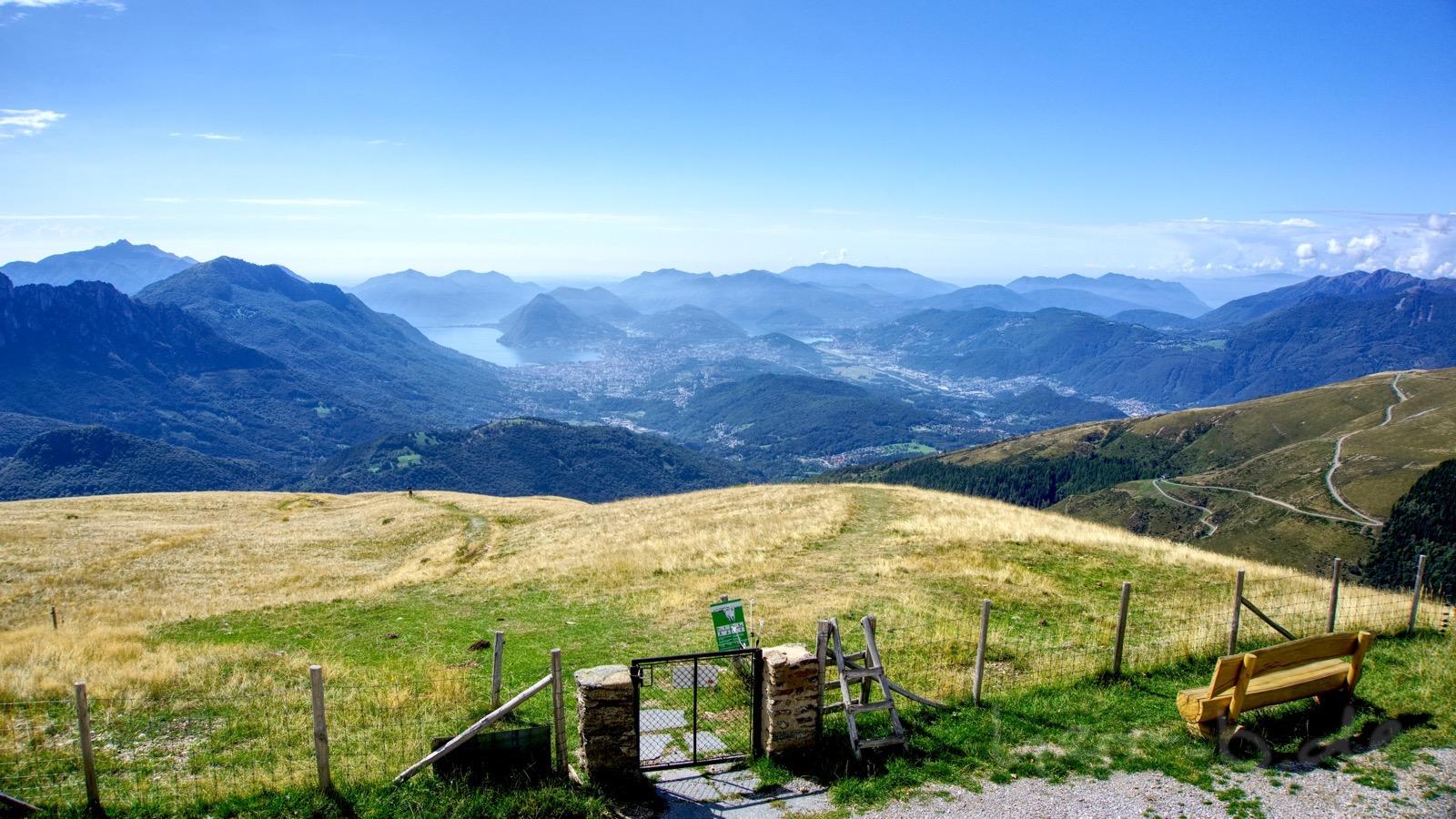 Aussicht von der Monte Bar Hütte.