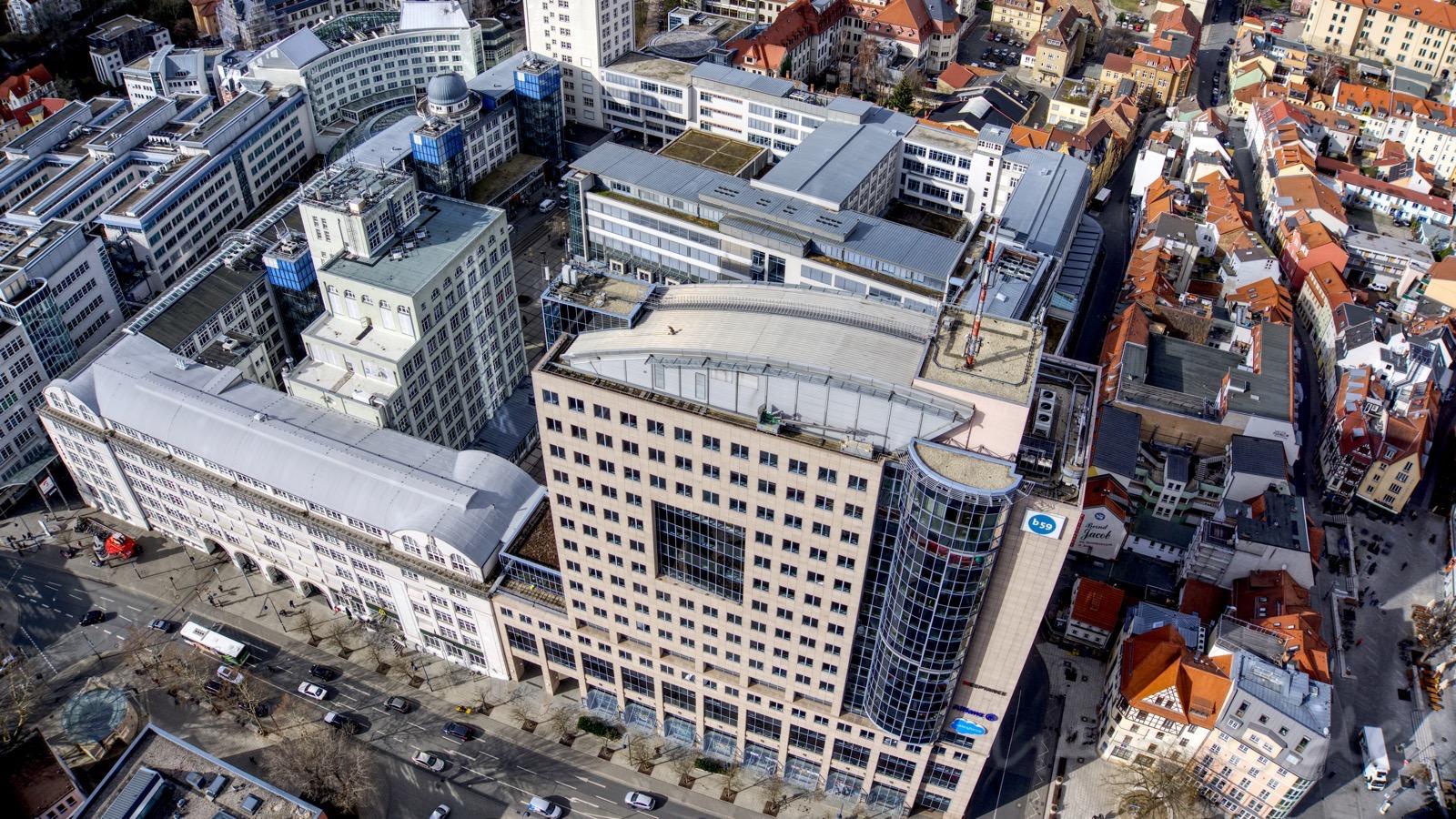 Das Empire-Späth-Building aka b59, die Goethe-Galerie und das ehemaliges Zeisswerk.