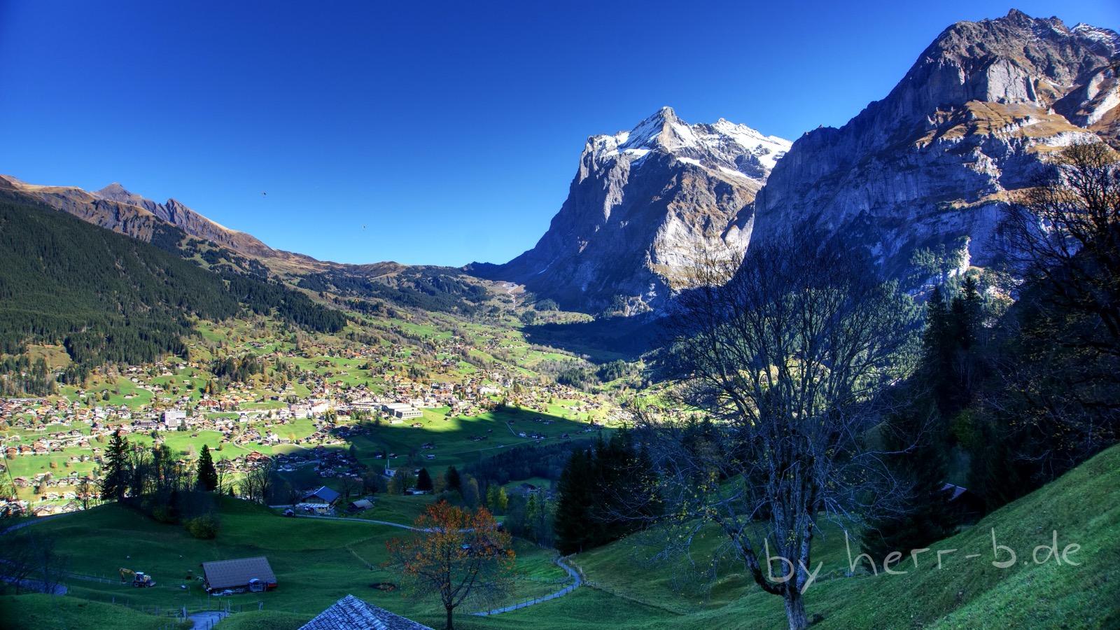 Runterblick auf Grindelwald.