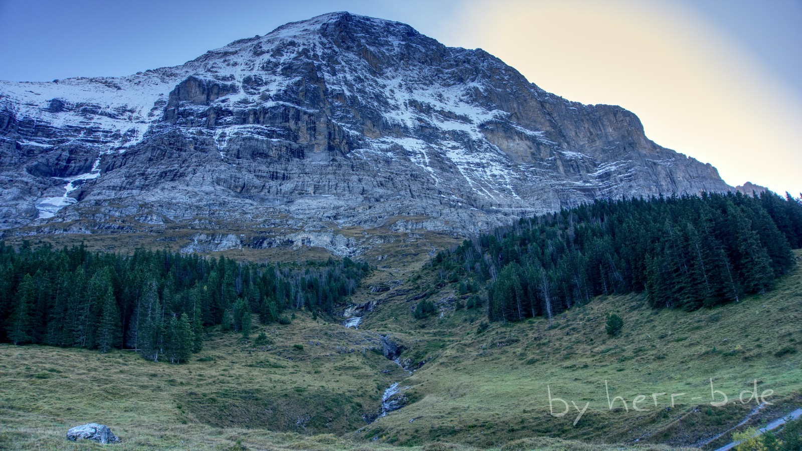 Die imposante und wunderschöne Nordwand des Eigers.
